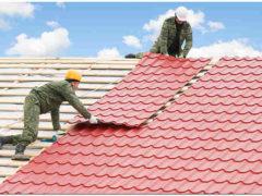 Крыши домов из металлочерепицы: надежность и эстетичность