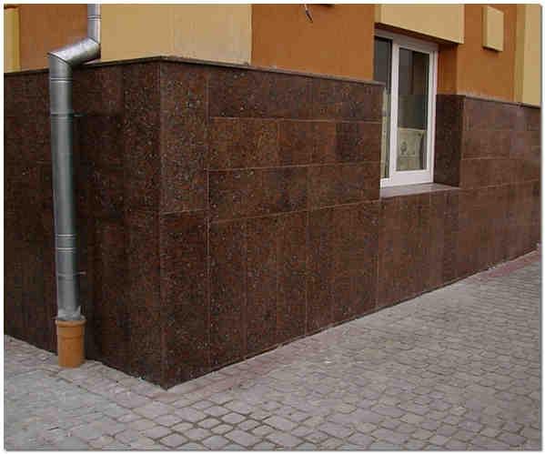 Облицовка цоколя дома керамогранитом фото
