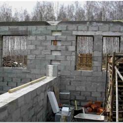 Возведение стен дома из теплоблоков