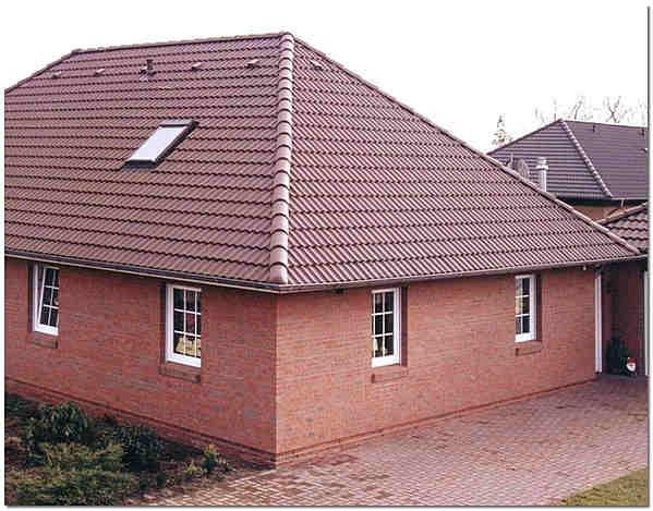 Четырехскатная крыша дома фото